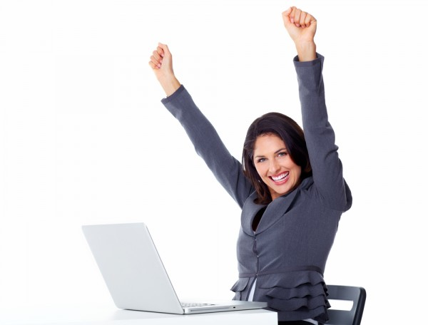 Happy-Business-woman-office-PC-600x456